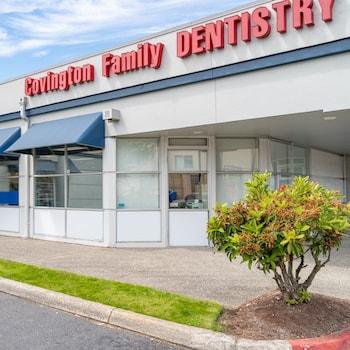 The outside of the Covington dental office